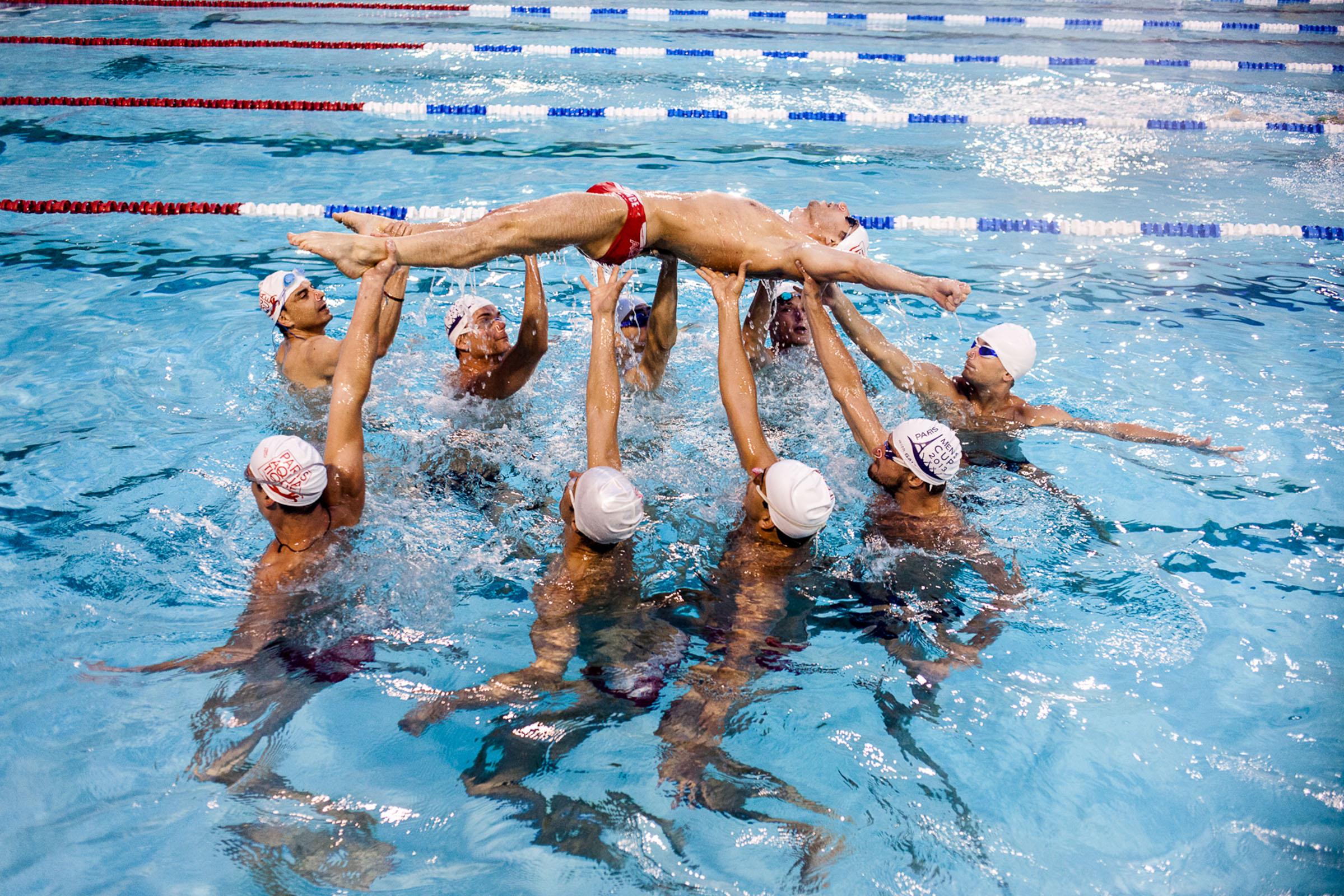 Paris, 17 Mai 2013. Un des derniers entrainements de l'équipe de natation synchronisée de l'équipe du Paris Aquatique avant le tournoi de Paris, qui s'est tenu du 17 au 21 Mai 2013.  Paris, 17th May 2013. One of the last trainings for the Paris Aquatique synchronized swimming team before the international Paris tournament which took place in the 17th-21st May.