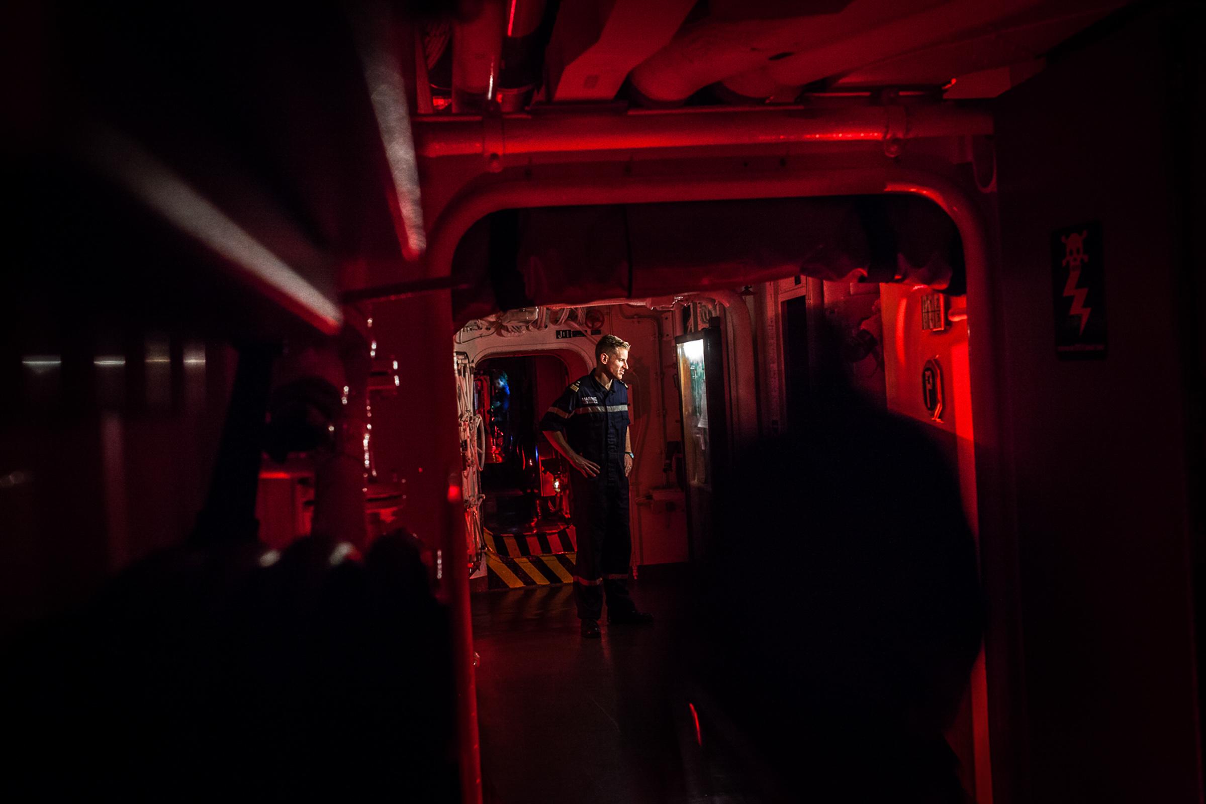 """Mer méditerrannée, 30.11.2015. Tour de garde nocturne à bord de la frégate anti-aérienne le """"Jean bart""""."""