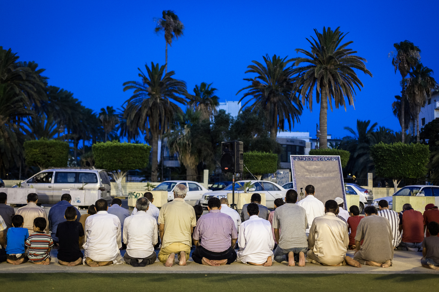 Tripoli, le 13 Juillet 2015. Rupture du jeûne du ramadan sur la place des martyrs.  Tripoli, 13th July 2015. Breaking the fast of Ramadan in Martyr square.