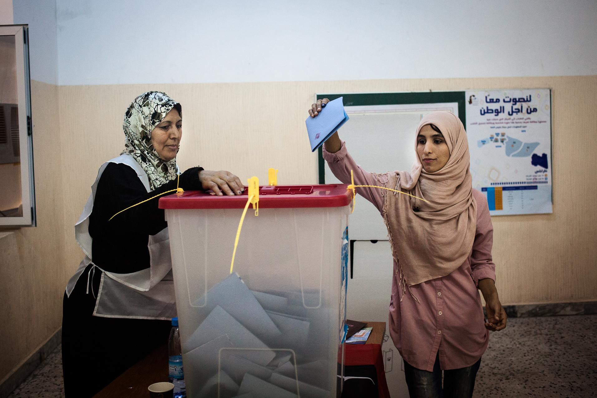 Tripoli, 7 Juillet 2012, bureau de vote pour femmes, lors des élections legislatives.  Tripoli, July 7, 2012, the polling station for women during the legislative elections.